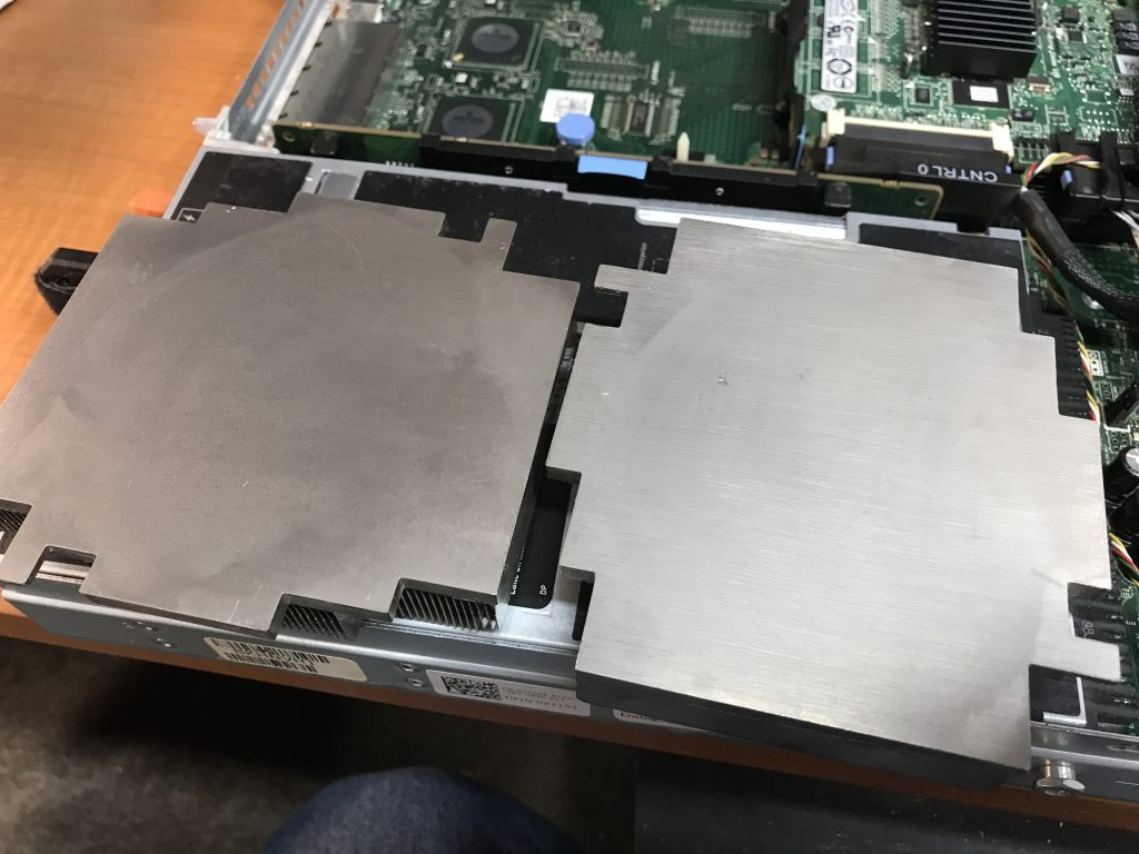 Dell R610 Intel Xeon CPU Upgrades - Heat Sinks Cleaned